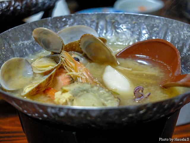 海鮮の鍋は、文句なしに美味しい。