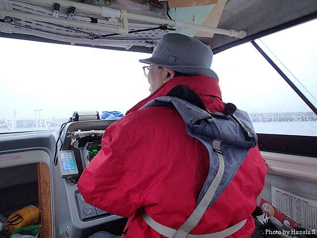 KON-chan号船長、K氏の勇姿。海の男である。