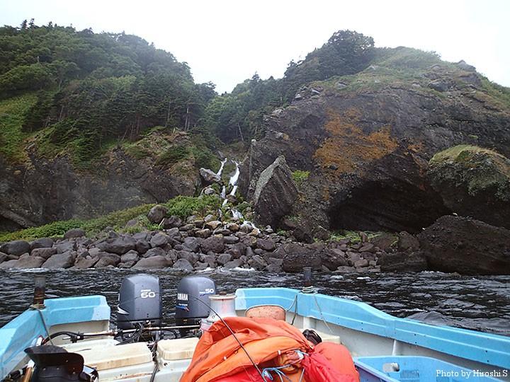 洋上からの崩れ滝全景 オフショアでも反応は全く無かった。