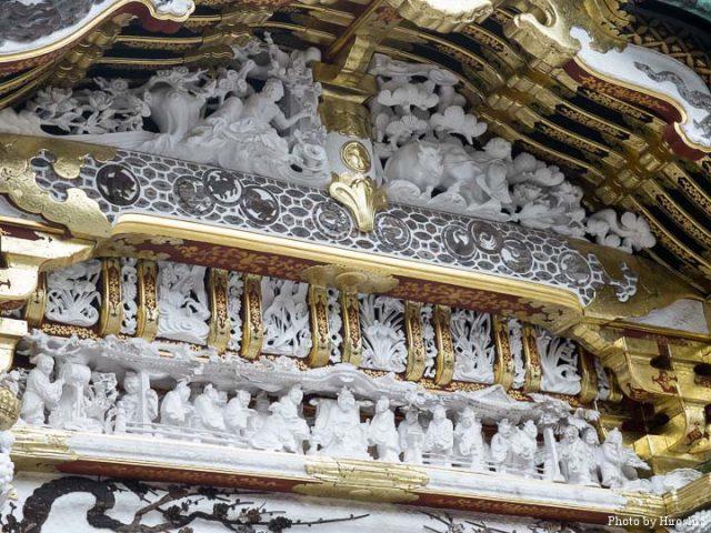 日光東照宮 唐門 門上部の彫刻