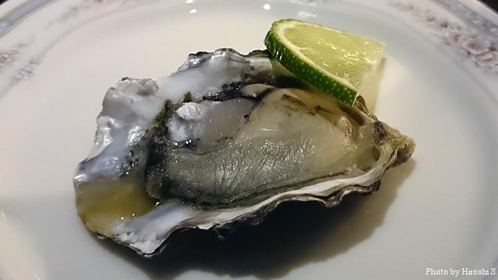 久茂地のBARで出た牡蠣