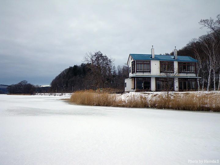 5年前にも既に廃業していた湖畔荘旅館は既に無くなっている。