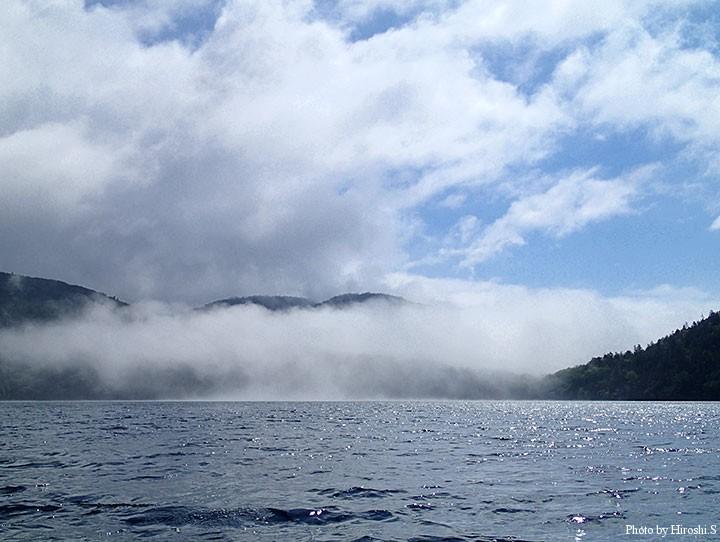 風と共に音更湾方向から霧が流れ込んできた。