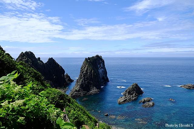 島武意海岸 ここの有名な景勝地だが、奇跡的に青空に恵まれた