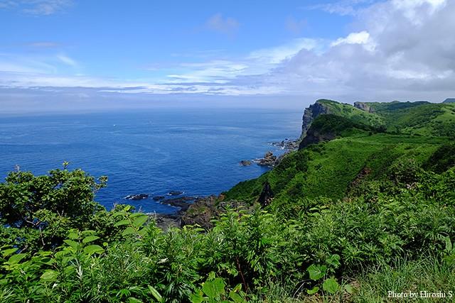 島武意海岸 灯台付近
