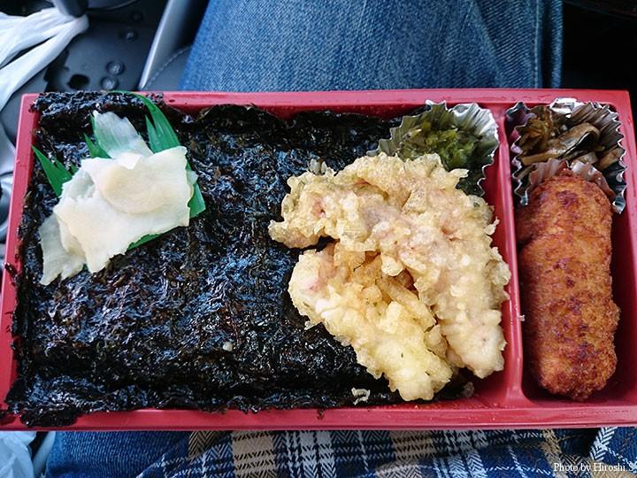 道の駅まつまえで購入した岩のり弁当 磯の香りが楽しめる美味しい海苔でした。