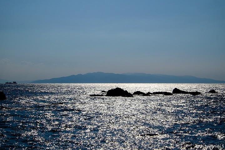 白神岬にて 対岸の竜飛岬まで約19キロ