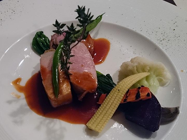 ホテル浜比嘉島リゾート 肉料理
