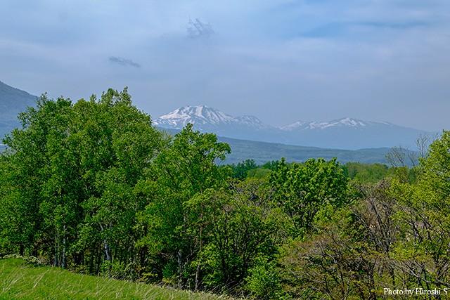 京極町から僅かにニセコアンニプリがみえる