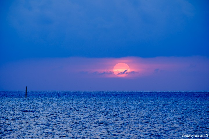 西表島は常に雲があり、沈む夕日をみるのは意外に難しい