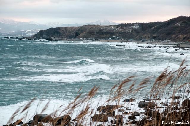 冬の日本海は荒れの日が多い。