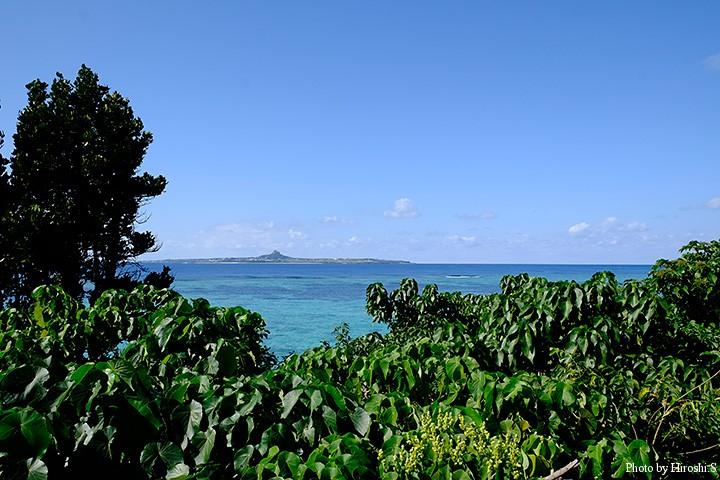 美ら海水族館にて 伊江島がみえる