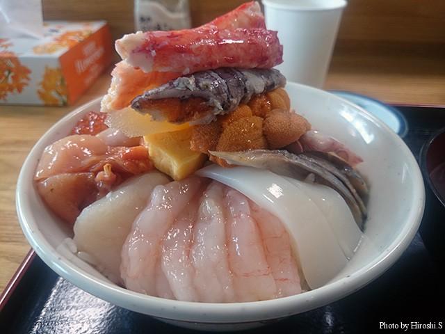 羽幌町 北のにしん屋さんで食べた、羽幌丼(中)