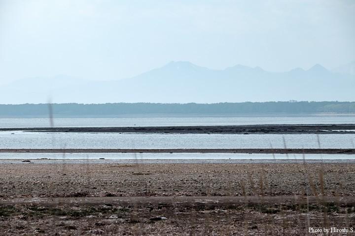 野付半島 遠景に阿寒の山々がみえる