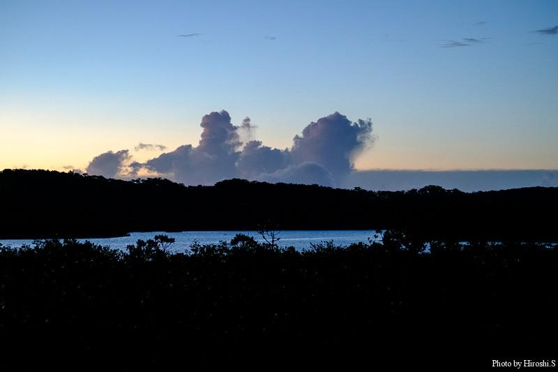 西表島 後良川の夜明け